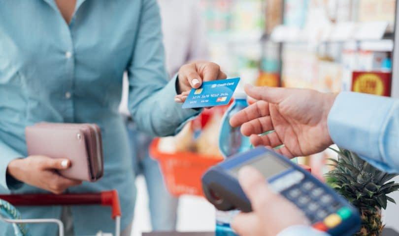 Como controlar as vendas de cartão de crédito em meu Comércio